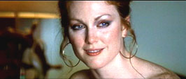 julianne-moore-image