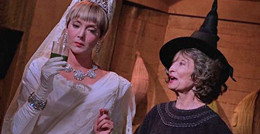 Batman_ep_Marshas_Scheme_of_Diamonds_(1966)_pic1_Carolyn_Jones