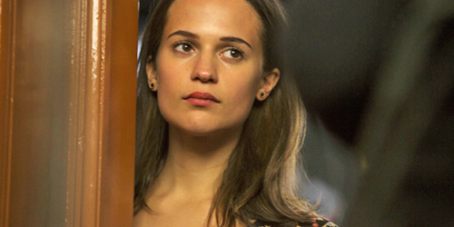 _0026_alicia-vikander-the-fifth-estate-pic2