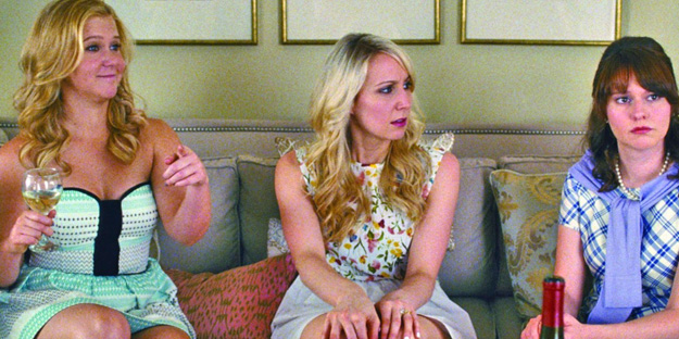04_trainwreck-pic8-with-nikki-glaser