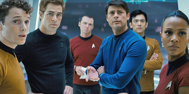 14_star-trek-pic2-with-john-cho-simon-pegg-zoe-saldana-karl-urban-chris-pine