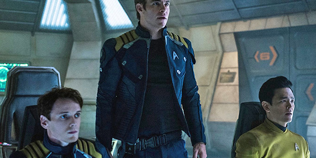 17_star-trek-beyond-pic1-with-john-cho-chris-pine