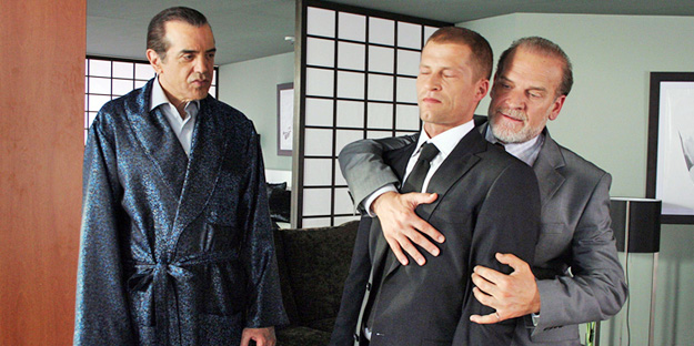 _0049_chazz-palminteri-body-armor-pic3-with-til-schweiger-and-lluis-homar