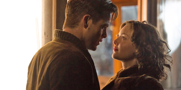 17_the-finest-hours-pic1-with-holliday-grainger