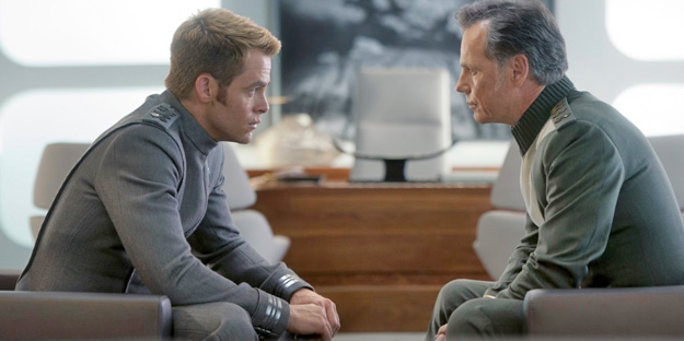 23_star-trek-into-darkness-pic5-with-bruce-greenwood