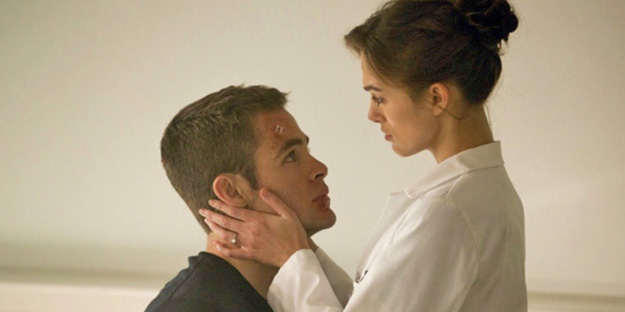 43_jack-ryan-shadow-recruit-pic4-with-keira-knightley