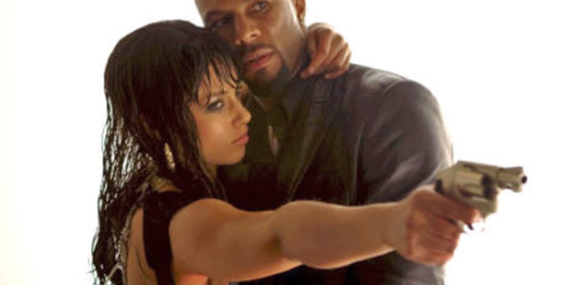 13_smokin-aces-pic1-with-alicia-keys