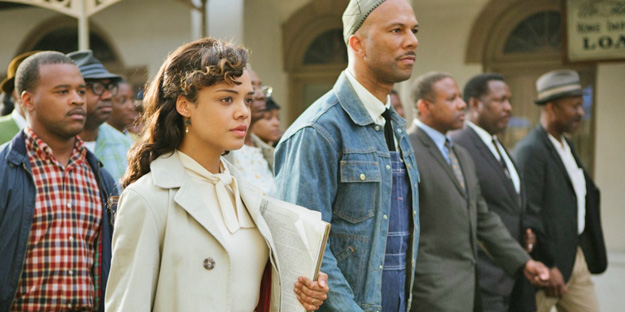 16_selma-pic1-with-carmen-ejogo-tessa-thompson