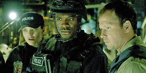 saw_II_pic1_2005_with_donnie_wahlberg_lyriq_bent