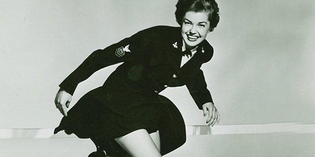 _0001_esther-williams-skirts-ahoy-pic1