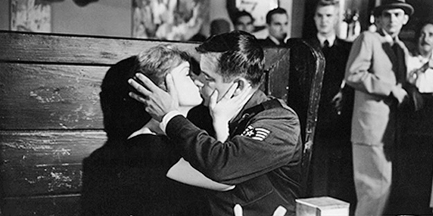 _0027_Glenn-Ford-it-started-with-a-kiss-pic1-with-debbie-reynolds