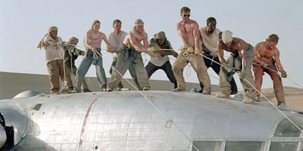 35_flight-of-the-phoenix-pic1-with-dquaid-gribisi-miranda-otto-ScottMichaelCampbell-kevork-malikyan-tyrese-gibson-kir