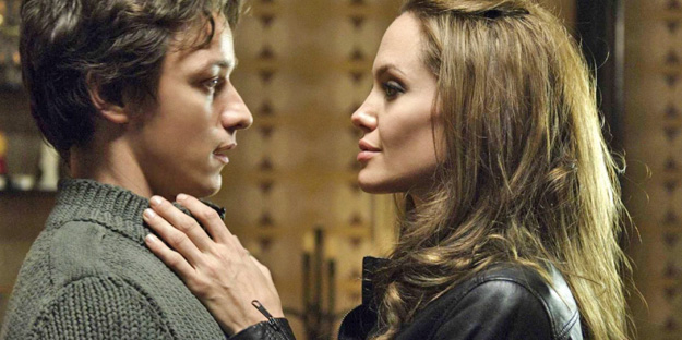 _0012_wanted-pic3-with-angelina-jolie