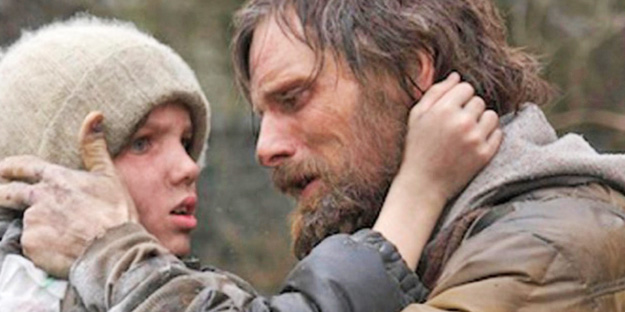 03_the_road_pic4_with_viggo_mortensen