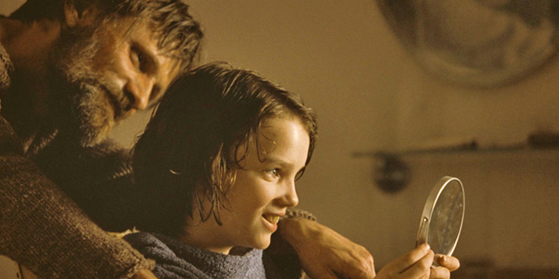 04_the_road_pic3_with_viggo_mortensen