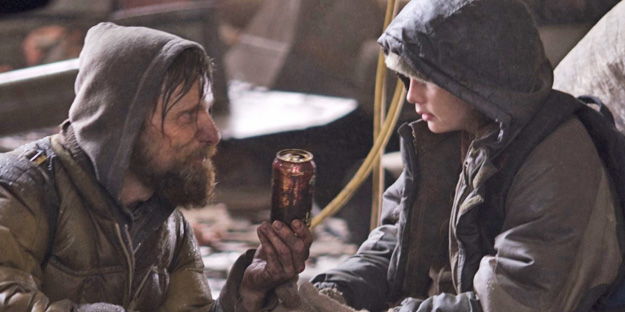 06_the_road_pic1_with_viggo_mortensen