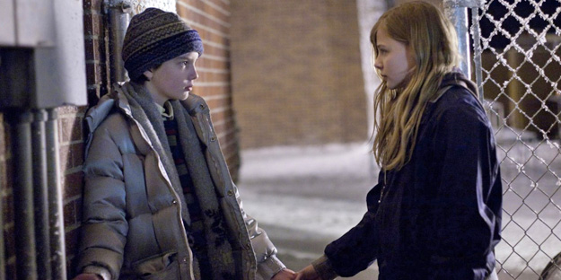 18_let_me_in_pic6_with_chloe_grace_moretz