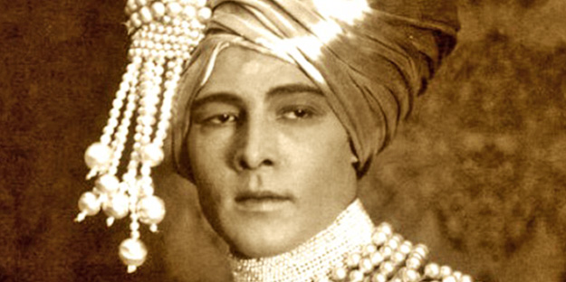 _0003_rudolph-valentino-the-young-rajah-pic6