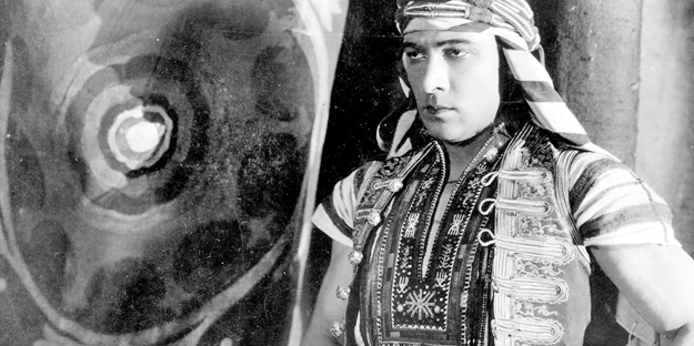 _0012_rudolph-valentino-the-sheik-pic1