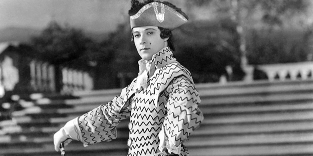 _0035_rudolph-valentino-monsieur-beaucaire-pic5