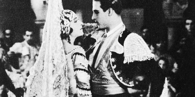 _0059_rudolph-valentino-a-sainted-devil-pic3-with-helena-d'algy