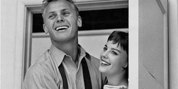 02_the-girl-he-left-behind-pic3-with-natalie-wood