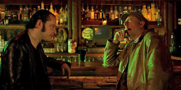 19_girl-walks-into-a-bar-pic1-with-gil-bellows