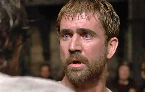 play hamlet vs mel gibson s movie Get an answer for 'what are the differences between the 1990 movie version of  no play on words nothing mel gibson,  mel gibson's hamlet looks in .